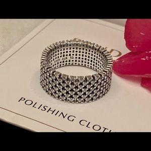 Pandora sparkling pave ring size 6